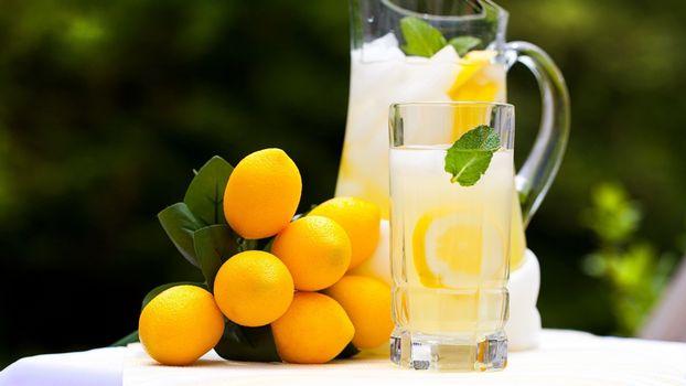 Заставки лимон, лимонад, стакан