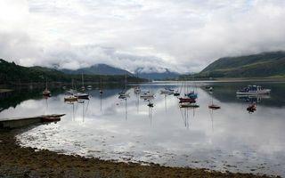 Бесплатные фото вода,озеро,лодки,горы,туман,облака,берег