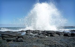 Бесплатные фото вода,река,озеро,волна,берег,камни,небо