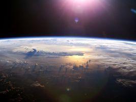 Бесплатные фото земля,планета,наша,облака,солнце,космос