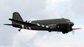 Бесплатные фото самолет, военный, летит, зеленый, кабина, стекло, оружие