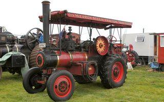 Фото бесплатно трактор, паровоз, труба