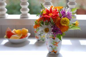 Бесплатные фото цветы,кружка,стол,тарелка,апельсин,ограда,забор