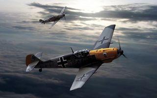 Фото бесплатно истребитель, небо, облака, хвост, пропеллер, война, крылья, высота, авиация, ситуации