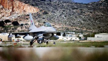 Бесплатные фото самолет,военный,горы,крылья,кабина,шасси,оружие