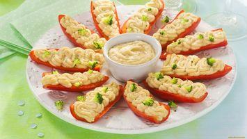 Бесплатные фото соус,перец,красный,тарелка,зелень,салфетки,еда