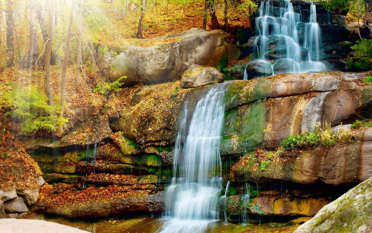 Фото бесплатно водопад, камни, скала, обрыв, деревья, листья, осень, мох, природа, природа