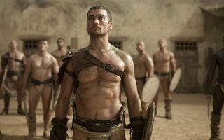 Бесплатные фото сериал спартак,гладиатор,воин,песок и кровь,spartacus
