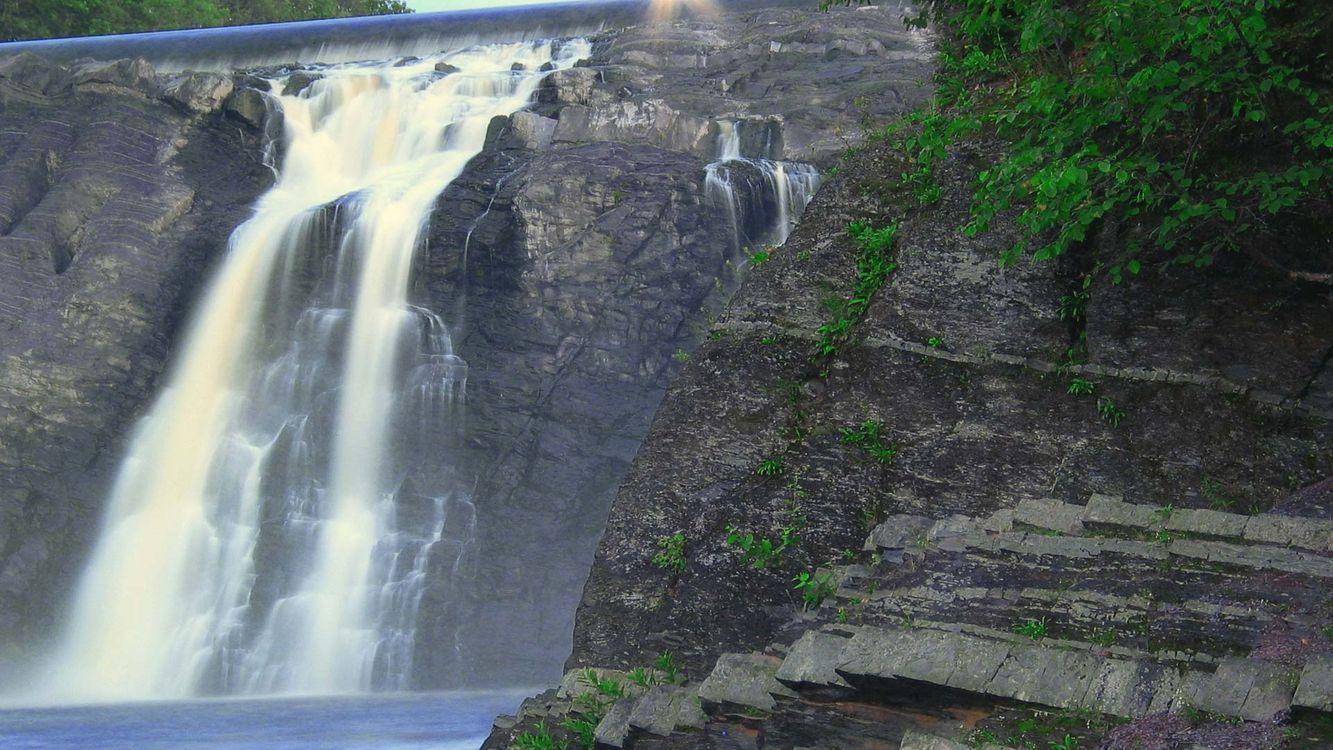 Фото бесплатно водопад, вода, гора, скала, дерево, листва, листья, кусты, пейзажи, пейзажи - скачать на рабочий стол