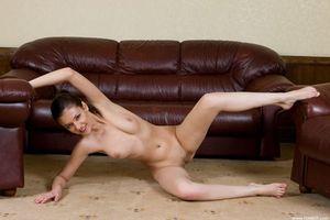 Фото бесплатно Faina, красотка, голая, голая девушка, обнаженная девушка, позы, поза, сексуальная девушка, эротика