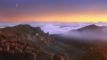 Бесплатные фото горы,высоко,облака,закат солнца,луна,месяц,пейзажи
