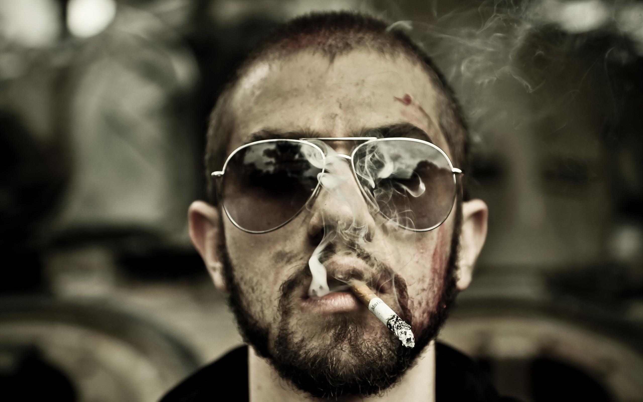 парень, сигарета, дым