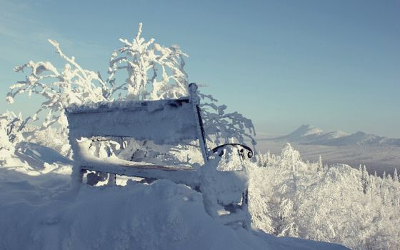 Photo free bench, snow, snowdrifts