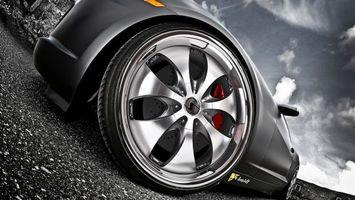 Фото бесплатно тачка, черная, диски, шины, суппорт, красный, машины