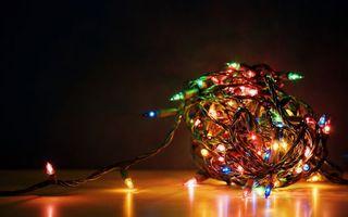 Фото бесплатно гирлянда, провода, новый год