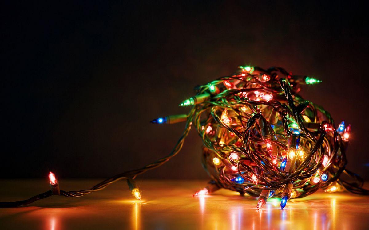 Фото бесплатно гирлянда, провода, новый год, новый год