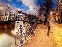 Photo free houses, bicycles, bridge