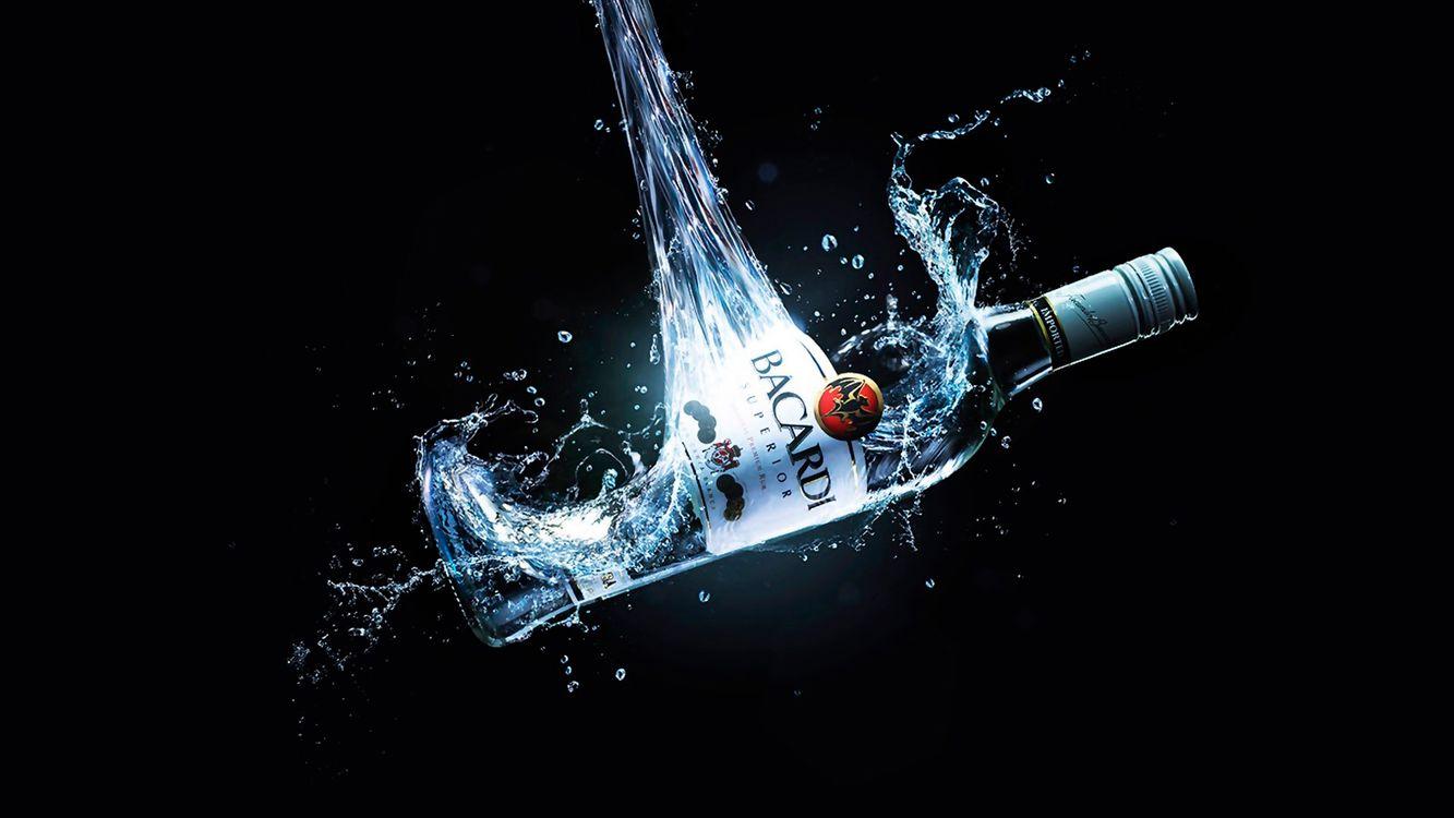 Картинка фон, черный, бутылка, бакарди, алкоголь на рабочий стол. Скачать фото обои напитки