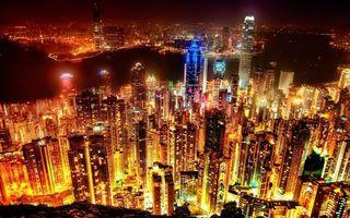 Бесплатные фото ночь,небоскребы,окна,свет,огни,улицы,город