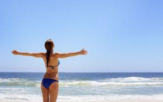 Заставки шатенка, коса, купальник, синий, море, волны, девушки
