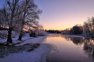 Бесплатные фото Швеция,Свартон,закат,зима,река,домик,деревья