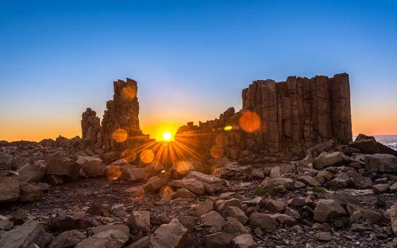 Фото бесплатно восход солнца над бомбо-хедленде, австралия, мегалитные скалы