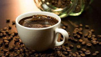 Бесплатные фото кофе,чашка,зерна,стол,разное