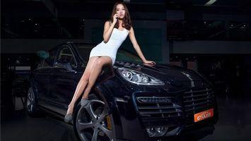 Бесплатные фото азиатка,машина,черная,платье,белое,ноги,девушки
