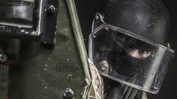 Фото бесплатно боец, маска, шлем
