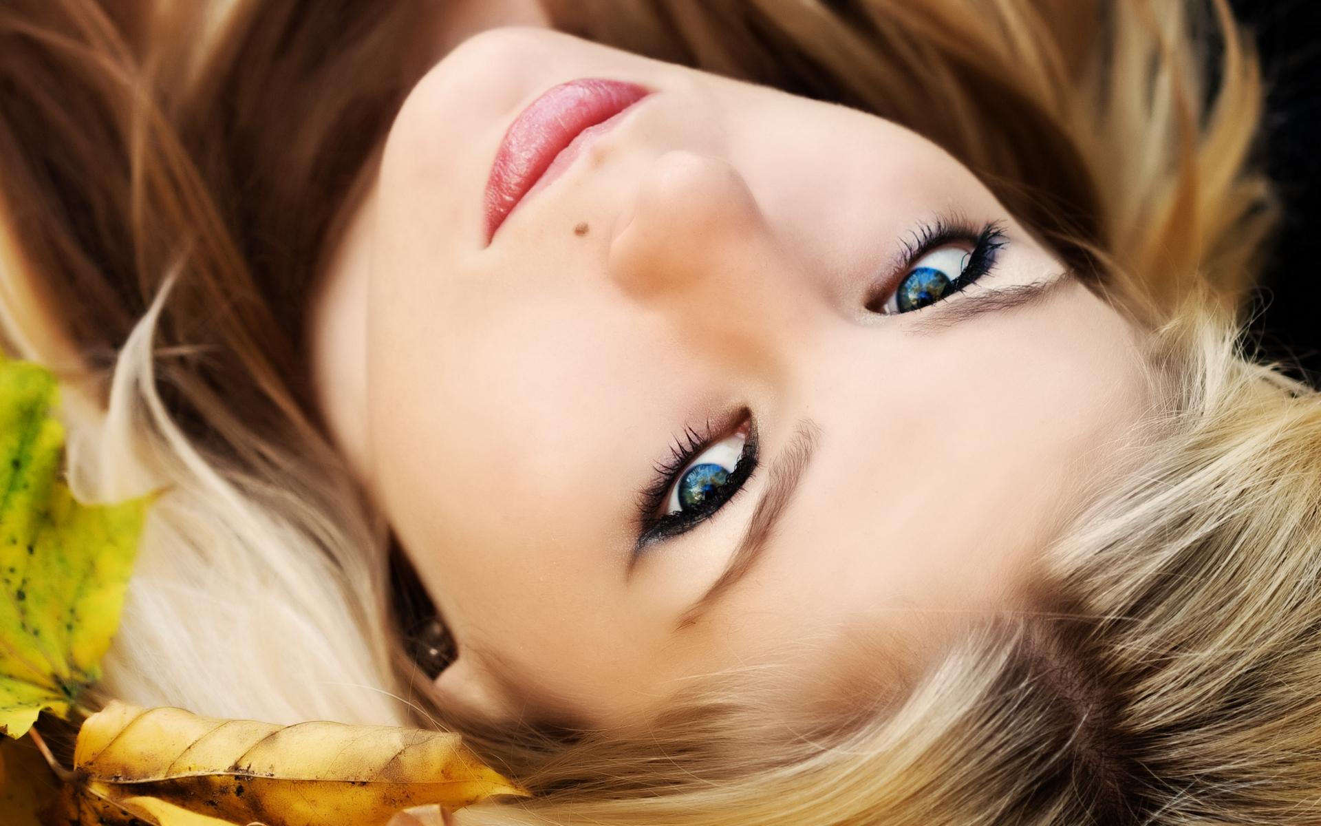 фото мужчин глаза голубые
