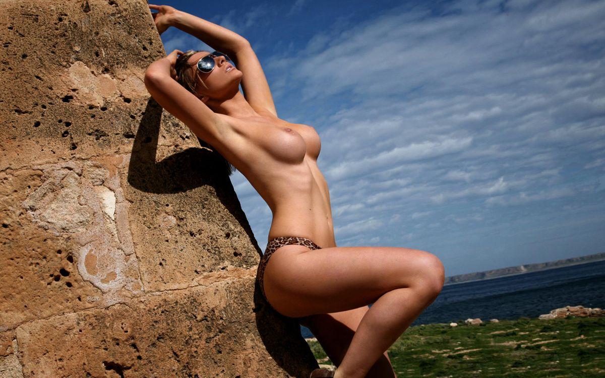 Фото бесплатно jenna, брюнетка, gorgeous, великолепная, горячая, сексуальная, идиальная, breasts, nipples, cleavage, тело, ноги, feet, back, попка, эротика