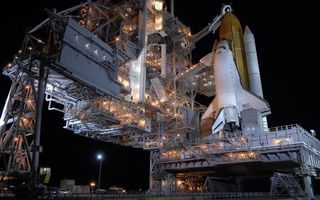 Заставки космодром, шатл, запуск, ракета, небо, сооружение, байконур, фонарь, свет, космос