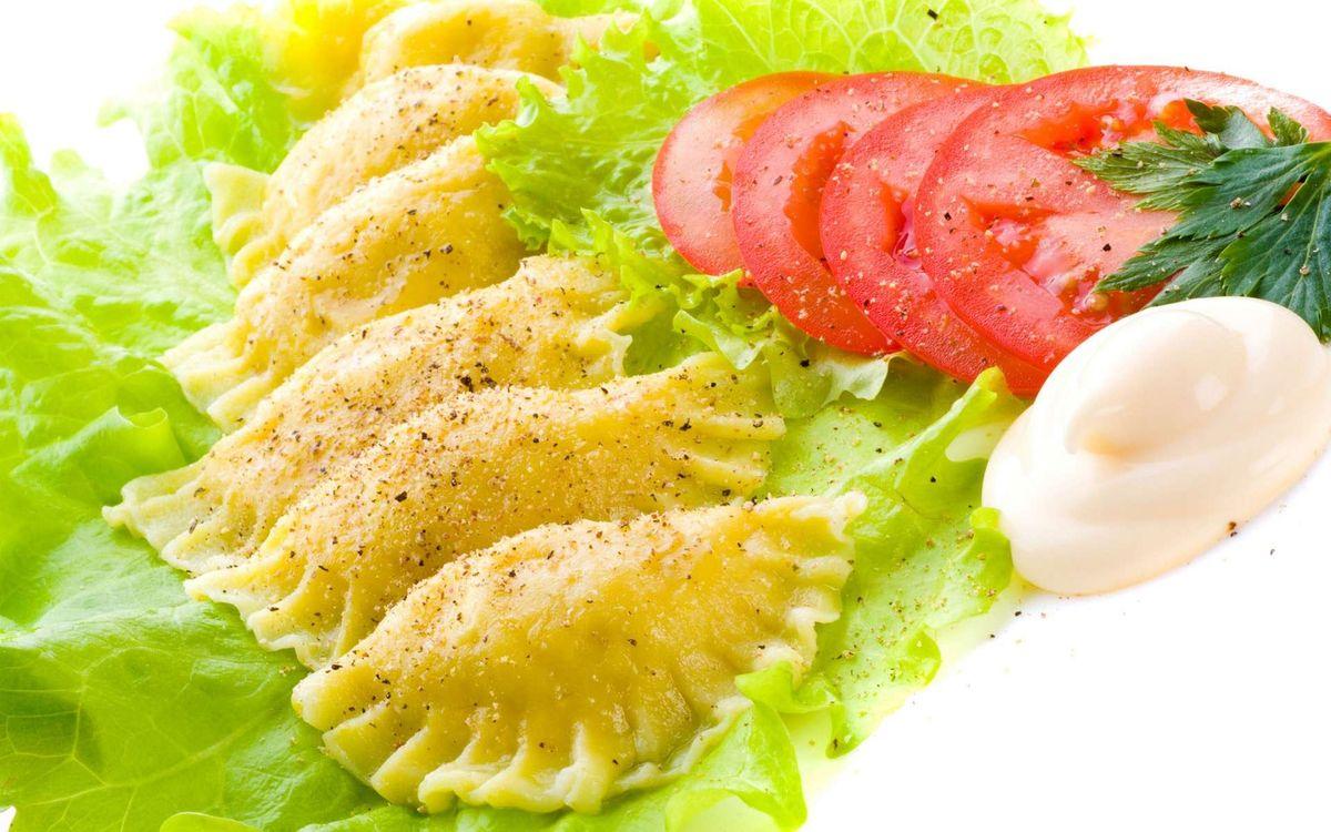 Free photo dumplings, seasoning, lettuce - to desktop