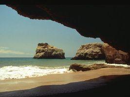Фото бесплатно пещера, камни, волны, небо, море, вода, природа