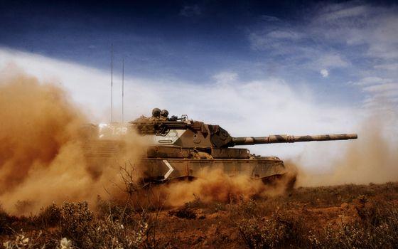 Бесплатные фото танк,дуло,прицел,пушка,выстрел,война,учения,поле,бой,оружие
