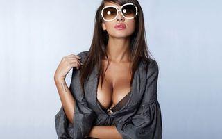 Бесплатные фото дівчина,окуляри,красива,шотенка,девушки