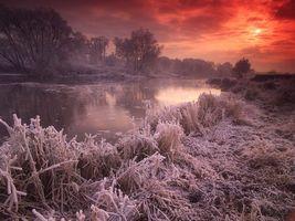 Фото бесплатно река, льдинки, трава