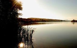 Заставки холм, вода, озеро