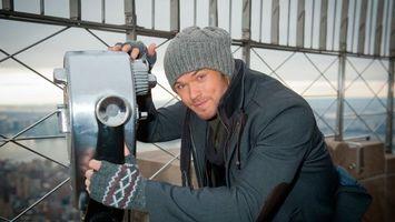 Бесплатные фото смотровая,площадка,биноскоп,парень,шапка,куртка,перчатки