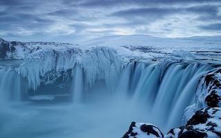 Фото бесплатно водопад, зима, снег, мороз, льдины, мерзлота, небо, горы, пейзажи