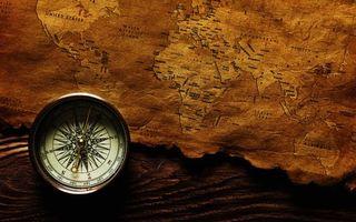 Бесплатные фото карта,старая,пираты,клад,компас,приключения,разное