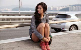 Фото бесплатно девушка, сидит, ожидание