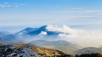 Бесплатные фото горы,снег,туман,небо,голубое,облака,природа