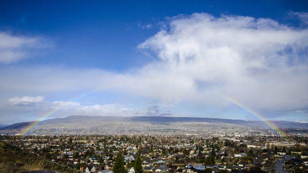 Фото бесплатно радуга, город, дома, равнина, небо, пейзажи