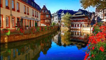 Бесплатные фото река,вода,отражение,лето,небо,дома,здания