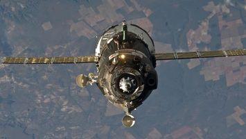 Фото бесплатно спутник, крылья, высоко, свет, земля, антены, космос