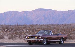 Бесплатные фото ford, mustang, кабриолет, коричневый, горы, песок, дорога
