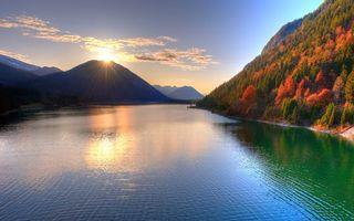 Заставки закат, река, воды, солнце, гора, небо, горы, пейзажи