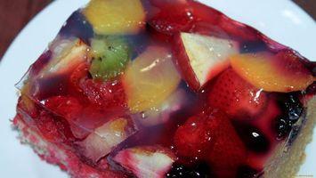Фото бесплатно клубника, киви, апельсин, тарелка, вода, малина, еда