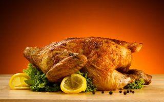 Бесплатные фото курица,гриль,корочка,зелень,лимон,дольками,еда